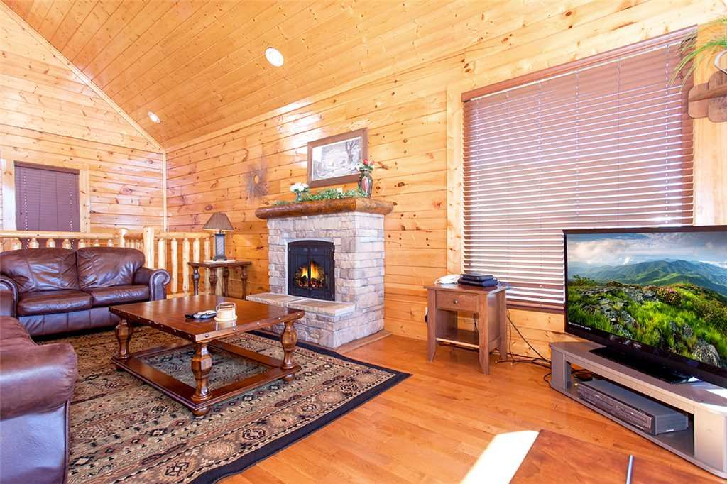 Photo of a Pigeon Forge Cabin named Spellbound - This is the third photo in the set.