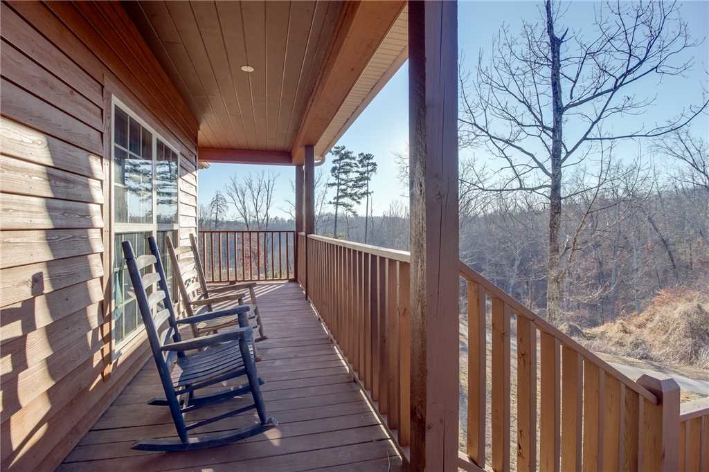 Photo of a Sevierville Cabin named Bear Hollow Lodge - This is the thirty-seventh photo in the set.