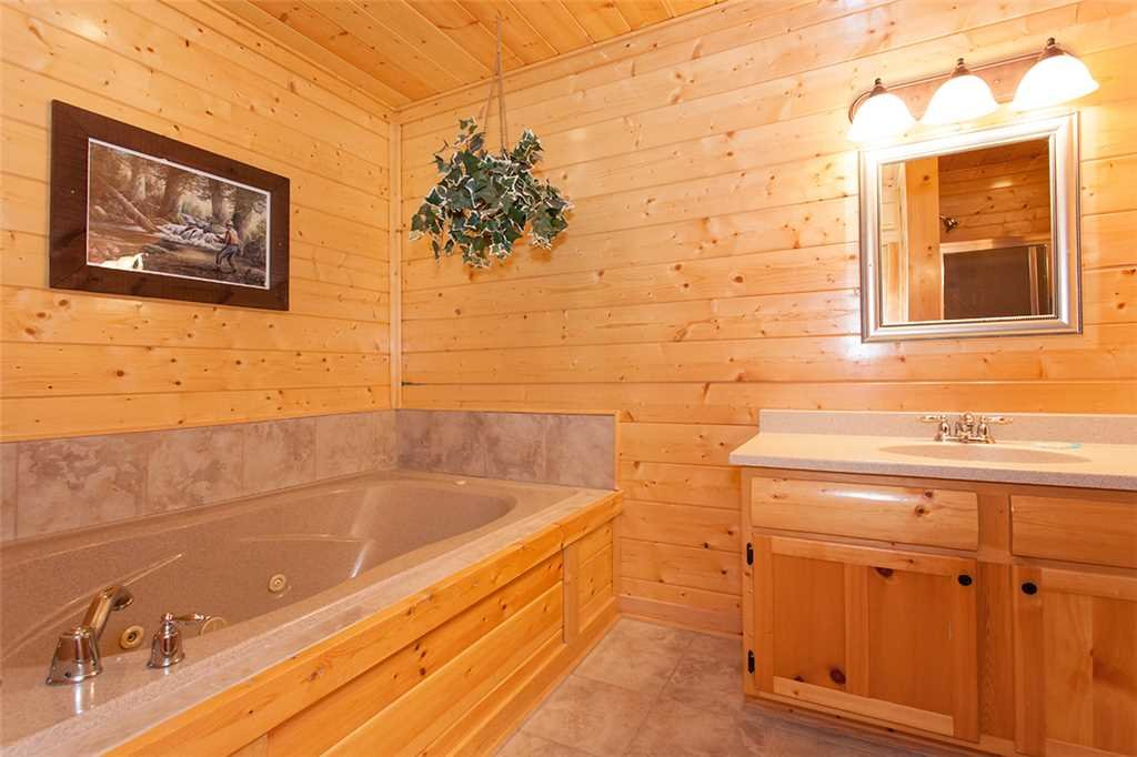 Photo of a Pigeon Forge Cabin named Spellbound - This is the tenth photo in the set.