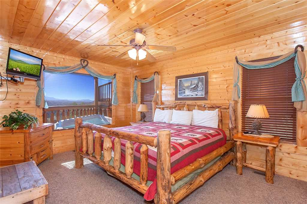 Photo of a Pigeon Forge Cabin named Spellbound - This is the ninth photo in the set.