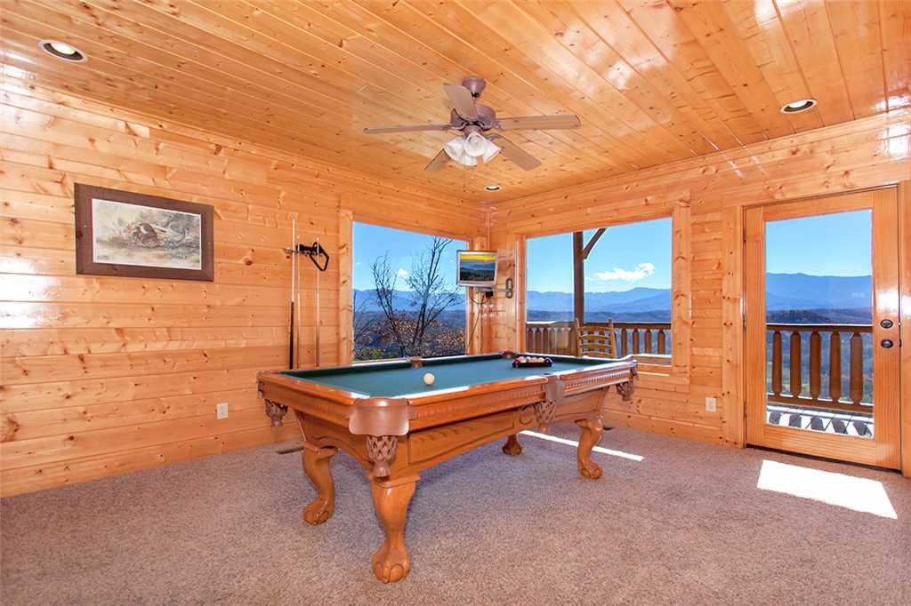 Photo of a Pigeon Forge Cabin named Spellbound - This is the twelfth photo in the set.