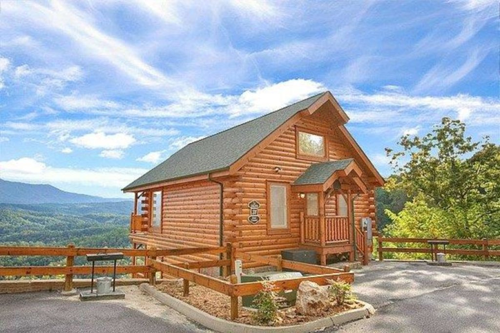 Photo of a Pigeon Forge Cabin named Star Gazer At Legacy Mountain - This is the first photo in the set.