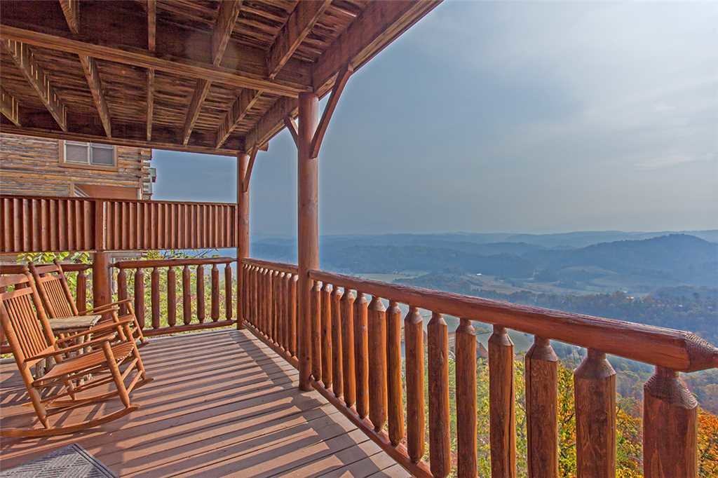 Photo of a Pigeon Forge Cabin named Breathtaking View - This is the twentieth photo in the set.