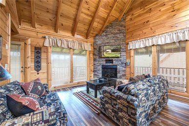 Appalachian Dream, 2 Bedrooms, Pool Table, Pool Access, Hot Tub, Sleeps 8