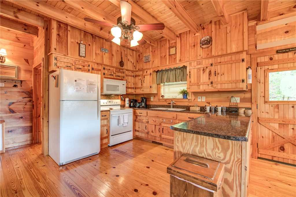 Photo of a Gatlinburg Cabin named Oh The View - This is the seventh photo in the set.