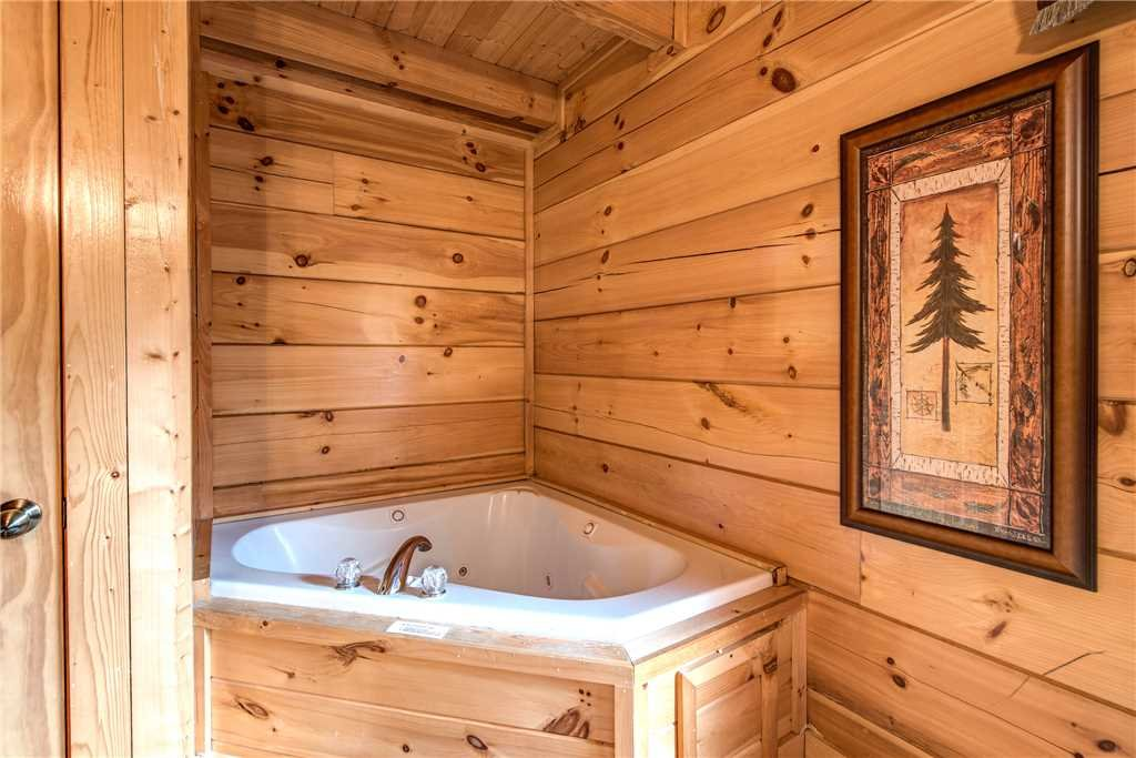 Photo of a Pigeon Forge Cabin named Appalachian Dream - This is the thirteenth photo in the set.