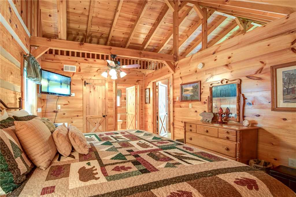 Photo of a Sevierville Cabin named Oh The View - This is the twentieth photo in the set.
