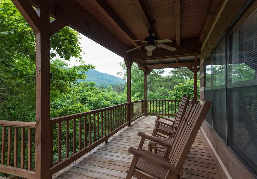 Photo of a Gatlinburg Cabin named Oh The View - This is the twenty-second photo in the set.