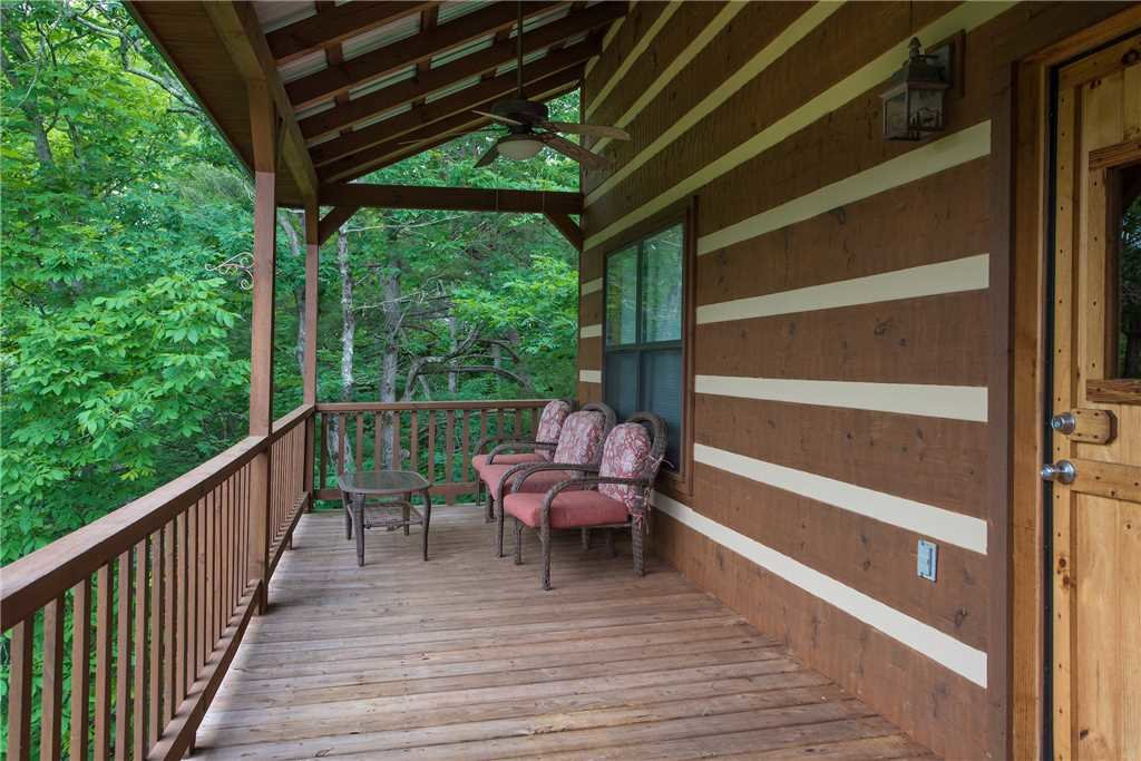Photo of a Sevierville Cabin named Oh The View - This is the twenty-sixth photo in the set.