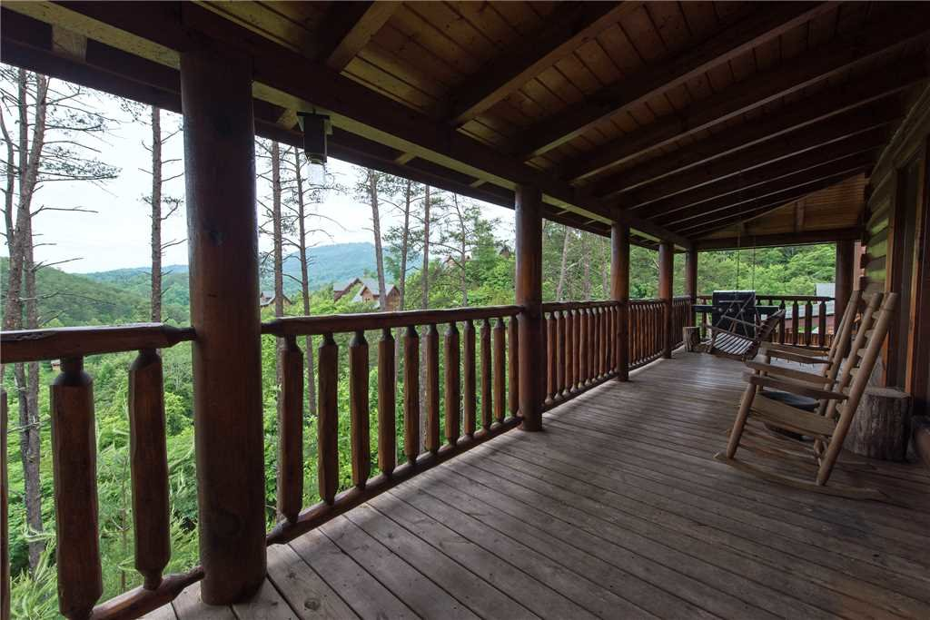 Photo of a Pigeon Forge Cabin named Appalachian Dream - This is the eighteenth photo in the set.