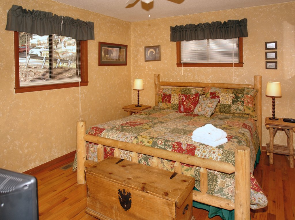 Photo of a Gatlinburg Cabin named Bear Cabin #462 - This is the fifteenth photo in the set.