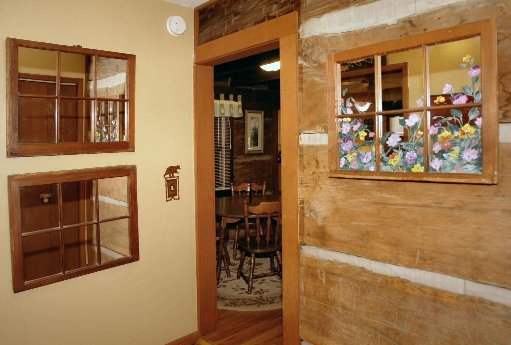 Photo of a Gatlinburg Cabin named Bear Cabin #462 - This is the eighteenth photo in the set.
