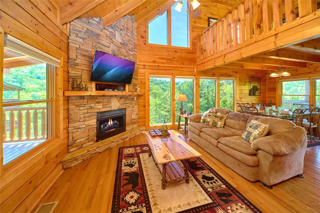 Photo of a Pigeon Forge Cabin named Lookout Ridge - This is the first photo in the set.