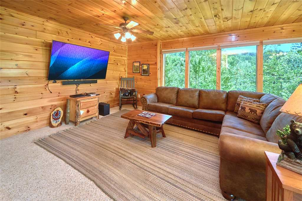 Photo of a Pigeon Forge Cabin named Lookout Ridge - This is the tenth photo in the set.