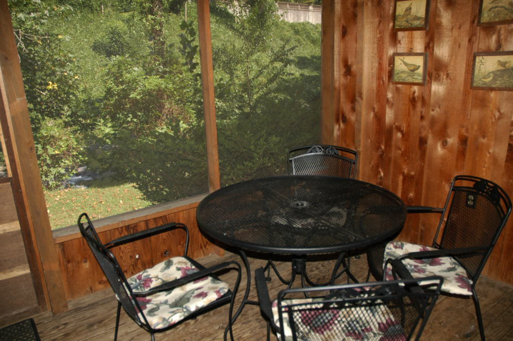 Photo of a Gatlinburg Cabin named Bear Cabin #462 - This is the twenty-ninth photo in the set.
