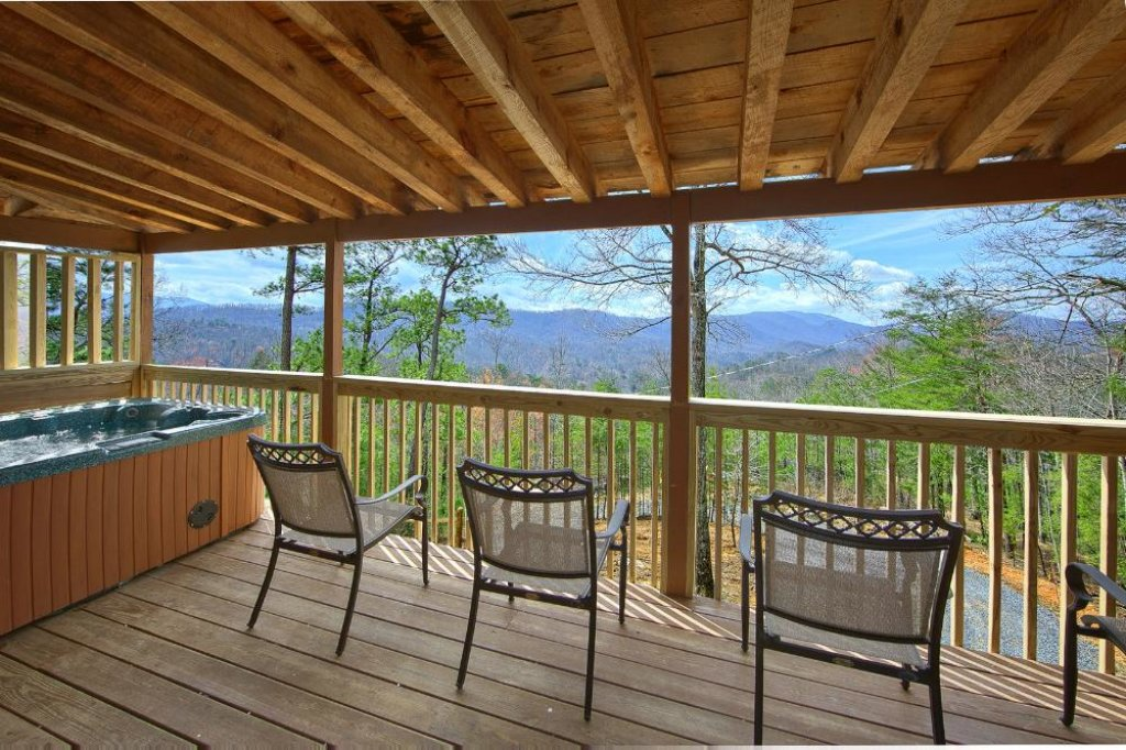 Photo of a Pigeon Forge Chalet named Above The Clouds - This is the second photo in the set.