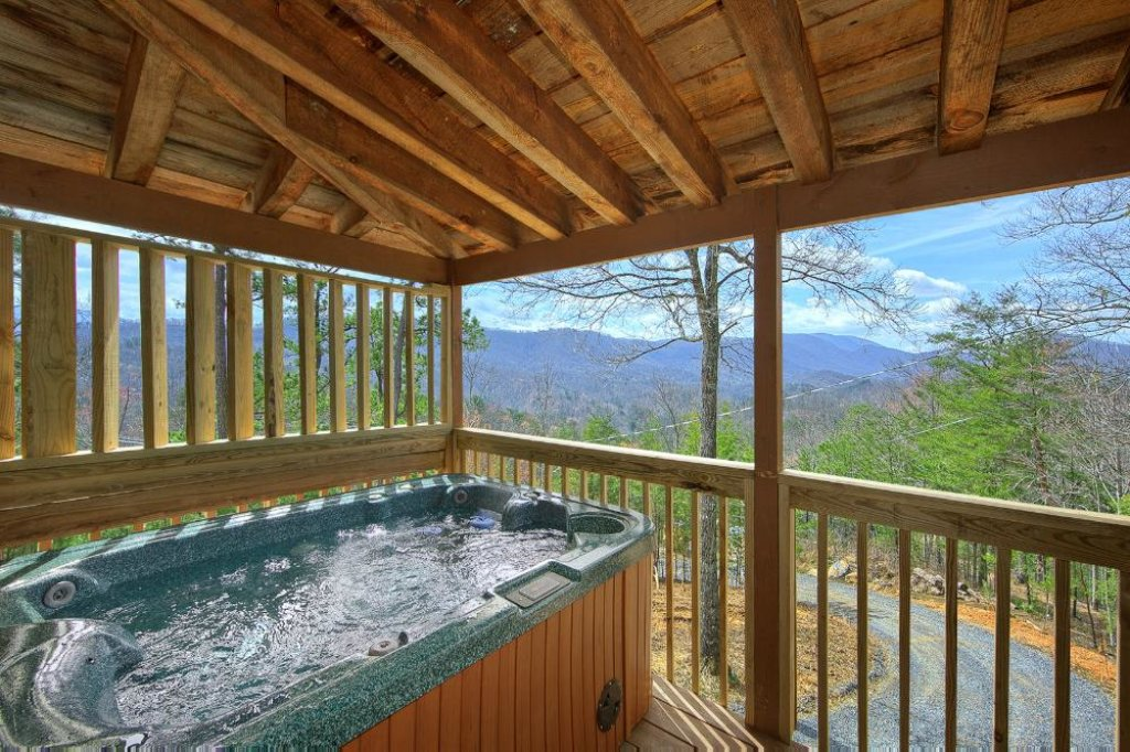 Photo of a Pigeon Forge Chalet named Above The Clouds - This is the fourteenth photo in the set.