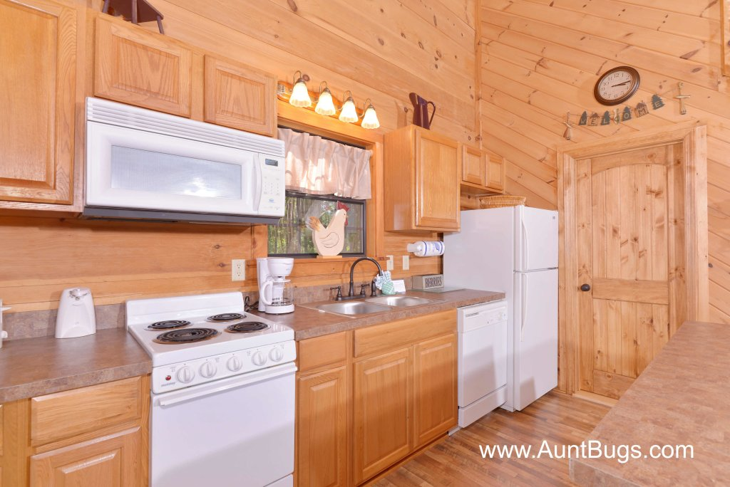 Photo of a Pigeon Forge Cabin named Above The Falls #144 - This is the fifty-second photo in the set.