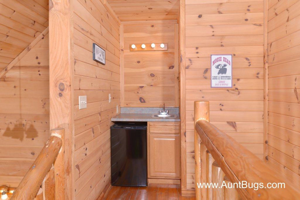 Photo of a Pigeon Forge Cabin named Above The Falls #144 - This is the thirty-first photo in the set.