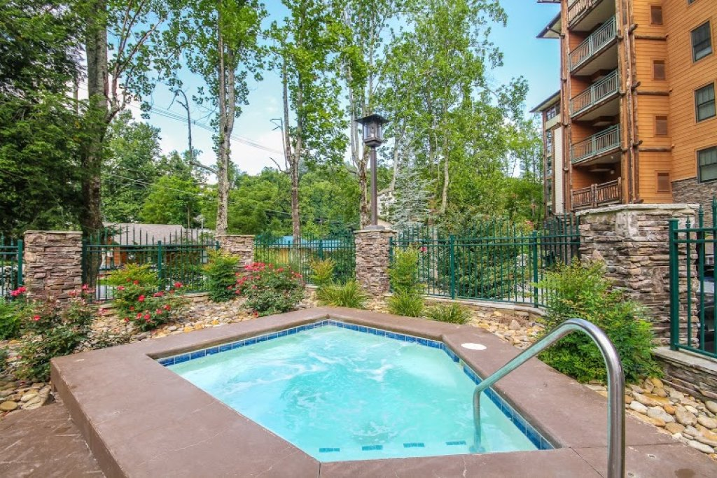 Photo of a Gatlinburg Condo named Baskins Creek 414 - This is the fifty-first photo in the set.
