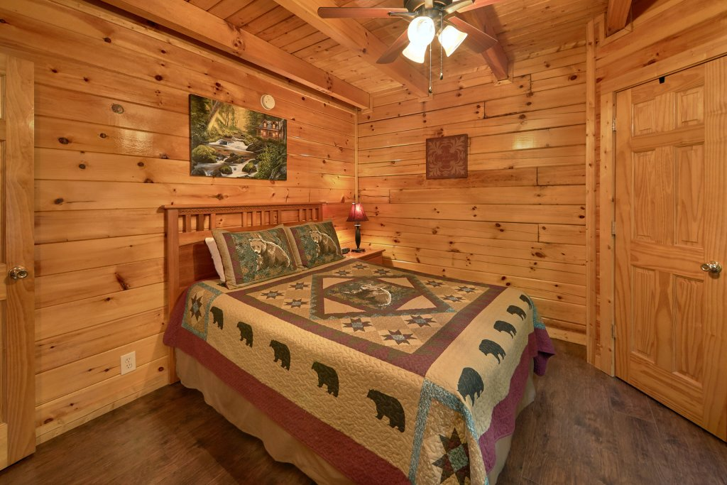Photo of a Pigeon Forge Cabin named Heavenly Hideaway #256 - This is the ninth photo in the set.