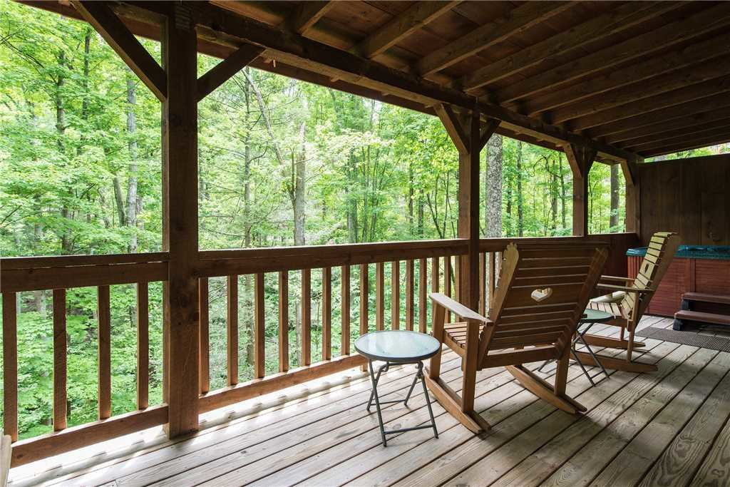 Photo of a Gatlinburg Cabin named Life's Escape - This is the seventeenth photo in the set.