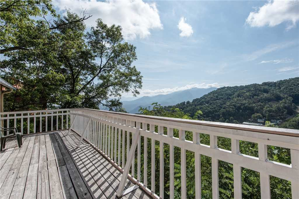Photo of a Gatlinburg Cabin named Sky Villa - This is the nineteenth photo in the set.