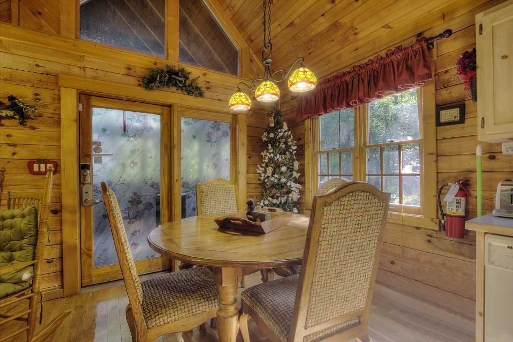 Photo of a Sevierville Cabin named Pure Pleasure Too #202 - This is the twenty-second photo in the set.