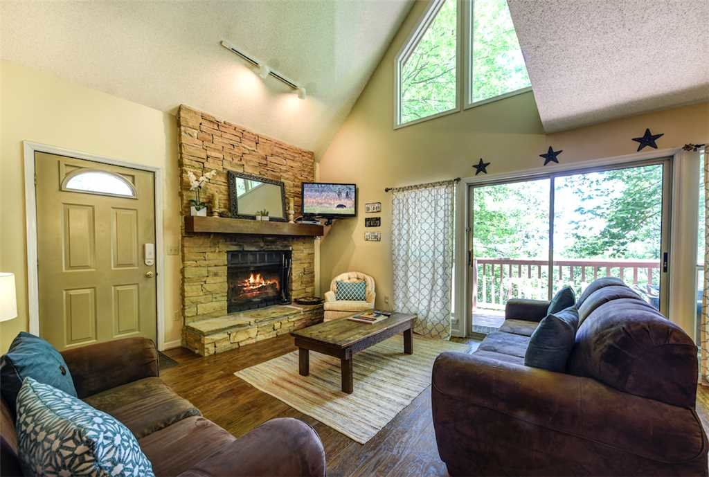 Photo of a Gatlinburg Cabin named Eagles Nest Ii - This is the first photo in the set.