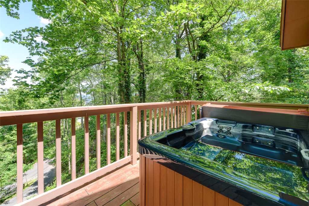 Photo of a Gatlinburg Cabin named Eagles Nest Ii - This is the second photo in the set.