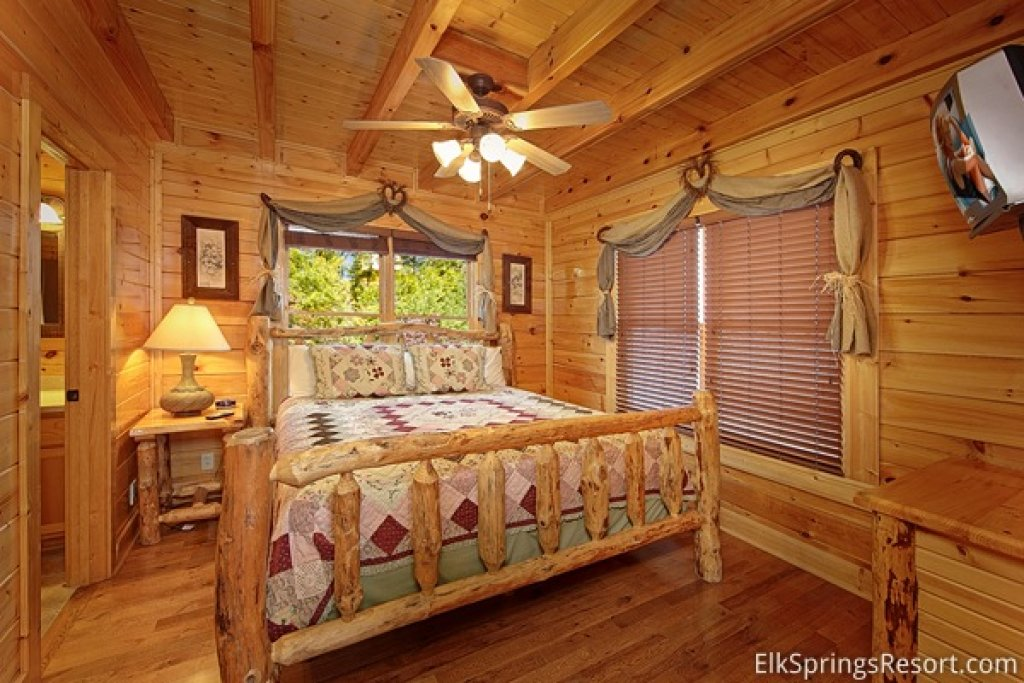 Photo of a Pigeon Forge Cabin named Endless Views (#54) - This is the eighth photo in the set.