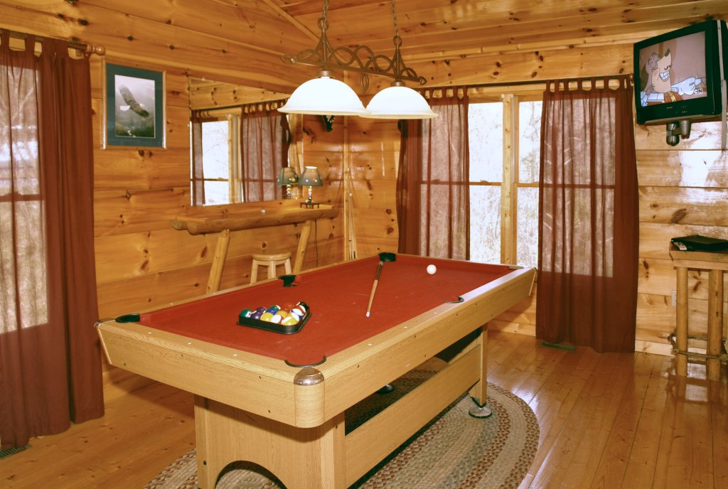 Photo of a Gatlinburg Cabin named Lover's Lake #105 - This is the twelfth photo in the set.