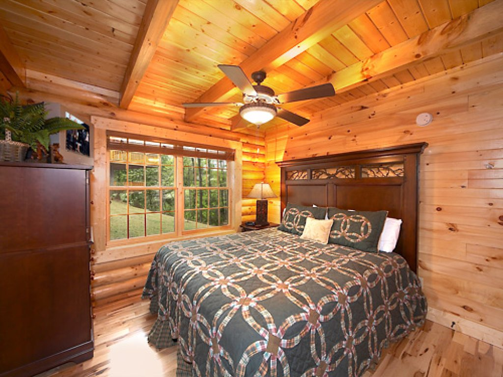 Photo of a Gatlinburg Cabin named Fontana - This is the twelfth photo in the set.