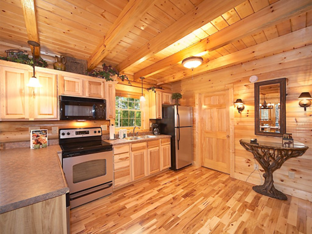 Photo of a Gatlinburg Cabin named Fontana - This is the thirteenth photo in the set.