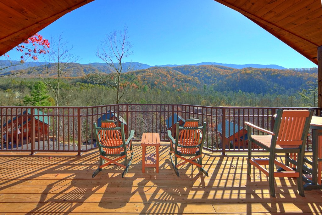 Photo of a Gatlinburg Cabin named Moonstruck - This is the second photo in the set.