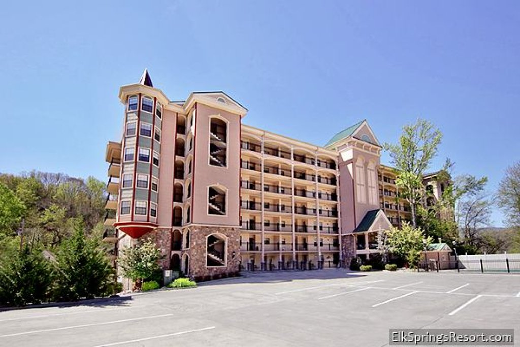 Photo of a Gatlinburg Cabin named Gatehouse Condos - 704 - This is the second photo in the set.