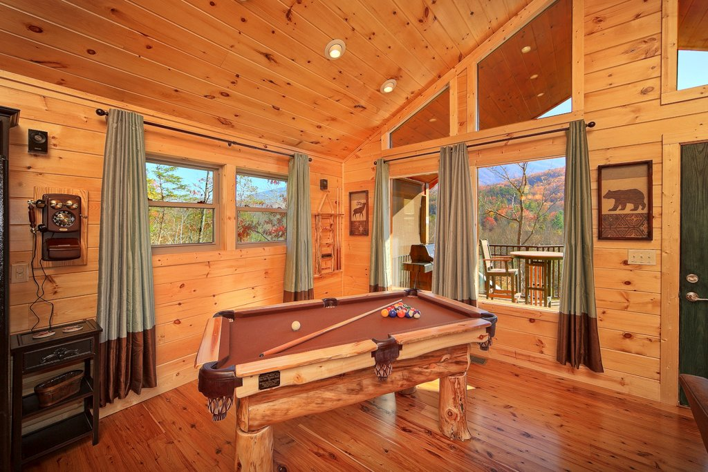 Photo of a Gatlinburg Cabin named Moonstruck - This is the fifth photo in the set.