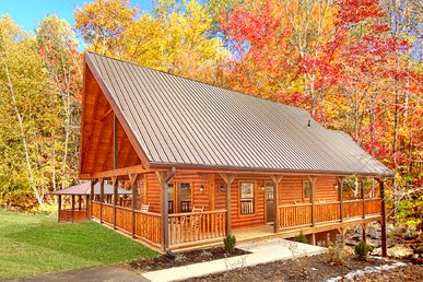 2 Bedroom Cabin With 2 Master Suites, Gazebo Hot Tub, Pool Table And Internet