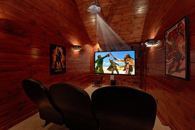 3 Master Suite Luxury Cabin With Private Home Theater Room (9 Foot Screen!)