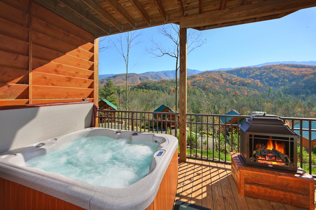 Photo of a Gatlinburg Cabin named Moonstruck - This is the fourth photo in the set.