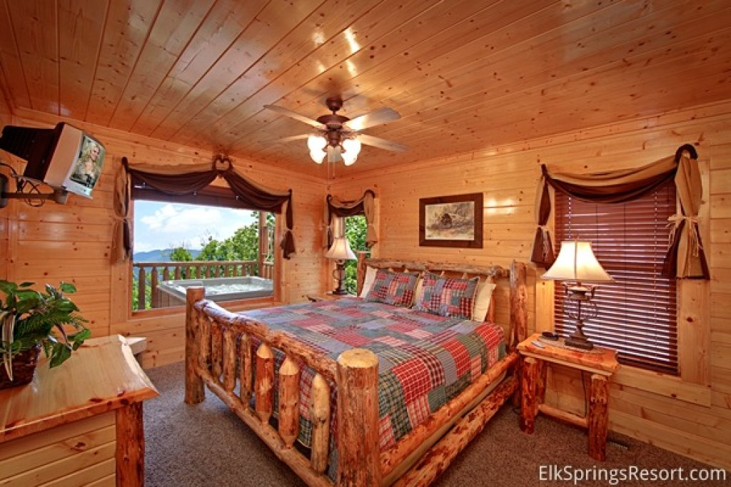Photo of a Pigeon Forge Cabin named Mountain Dreams (#104) - This is the ninth photo in the set.
