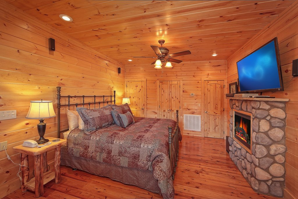 Photo of a Gatlinburg Cabin named Moonstruck - This is the eighth photo in the set.