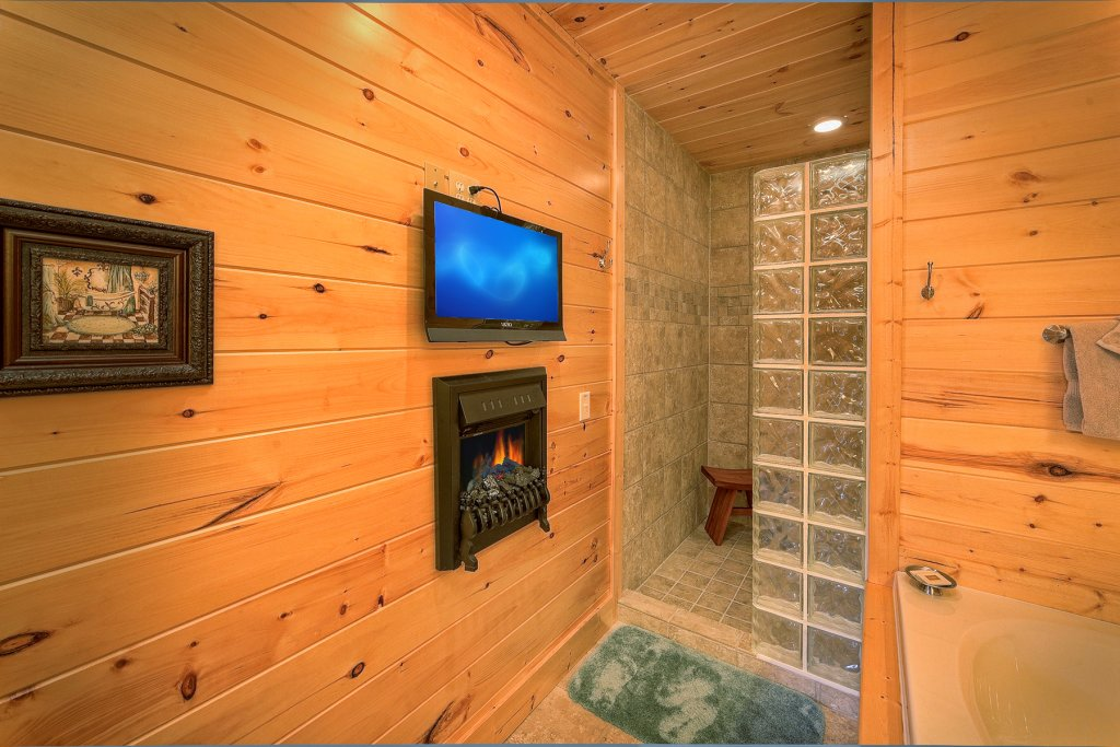 Photo of a Gatlinburg Cabin named Moonstruck - This is the twelfth photo in the set.