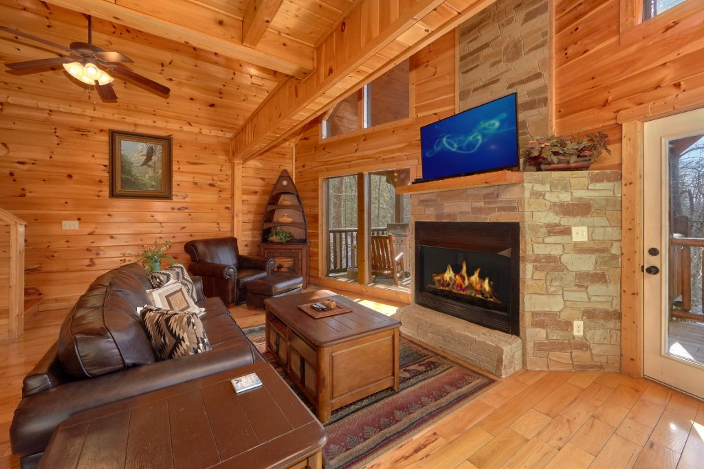 Photo of a Gatlinburg Cabin named Beary Cozy - This is the ninth photo in the set.