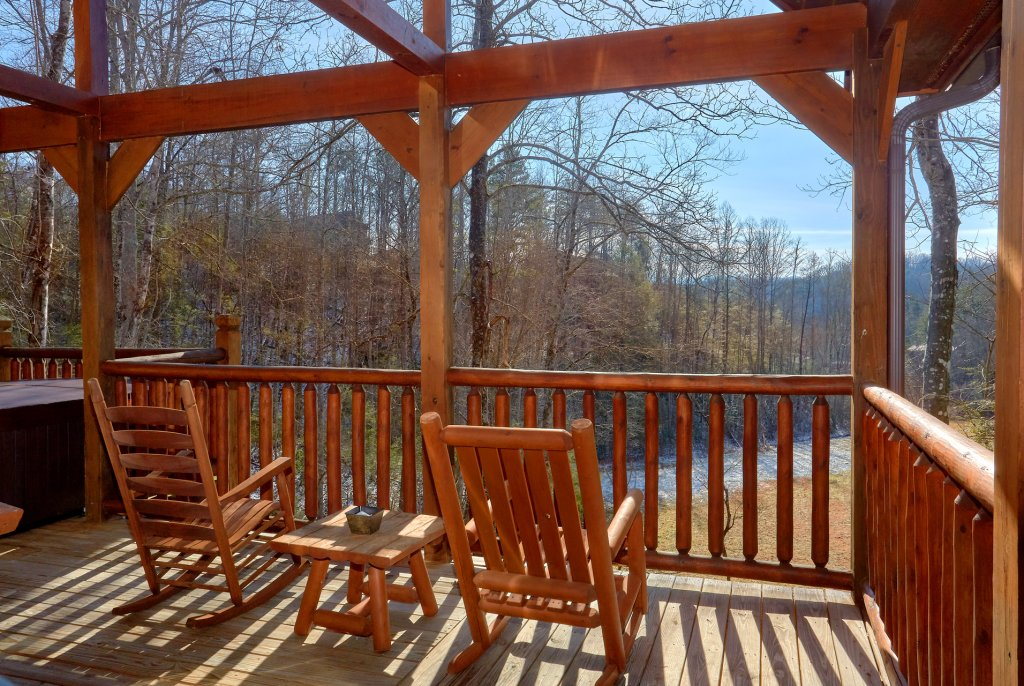 Photo of a Gatlinburg Cabin named Beary Cozy - This is the third photo in the set.