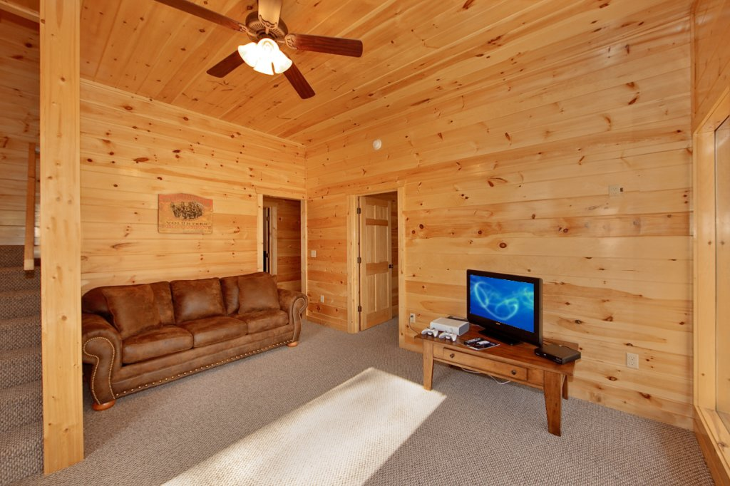 Photo of a Gatlinburg Cabin named Eagles Nest - This is the fourteenth photo in the set.