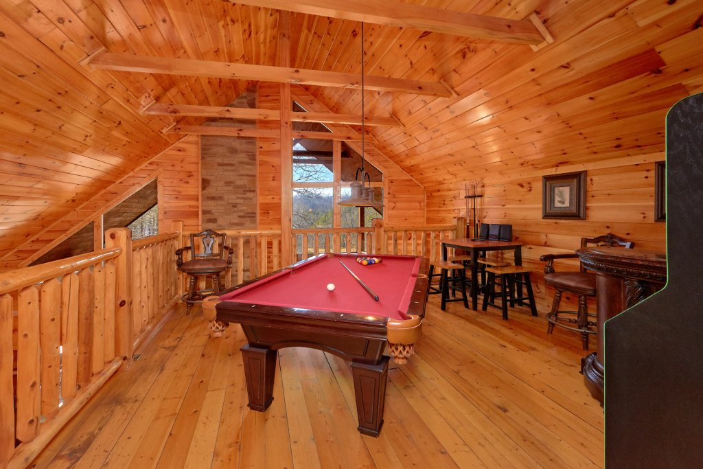 Photo of a Gatlinburg Cabin named Beary Cozy - This is the fifth photo in the set.