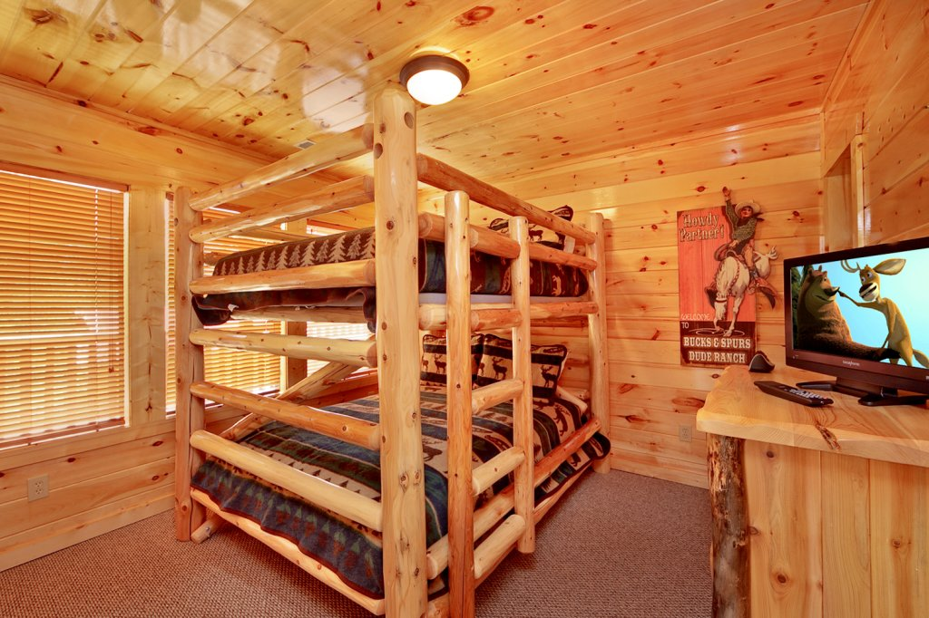 Photo of a Gatlinburg Cabin named Summit Sanctuary - This is the fourteenth photo in the set.