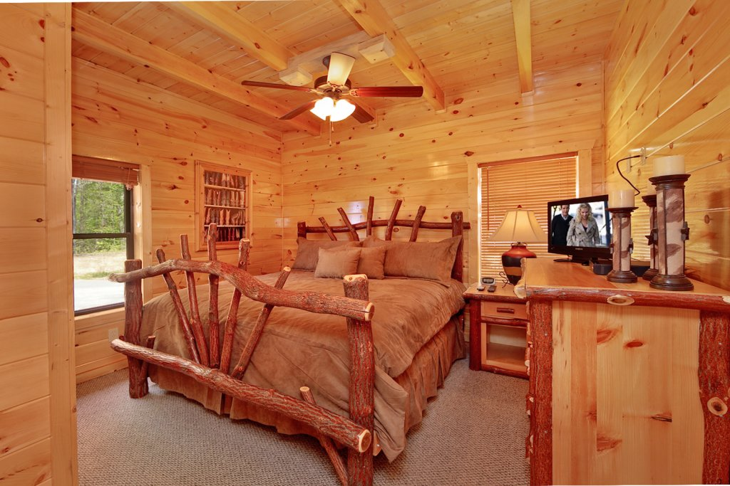 Photo of a Gatlinburg Cabin named Summit Sanctuary - This is the eleventh photo in the set.