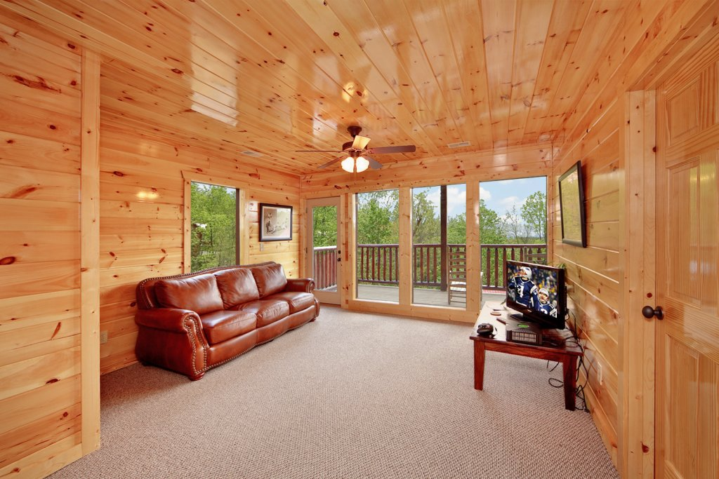 Photo of a Gatlinburg Cabin named Summit Sanctuary - This is the tenth photo in the set.